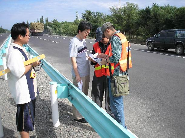 云阳波形护栏施工测量