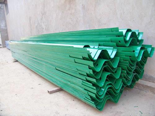 彭水波形护栏板货场