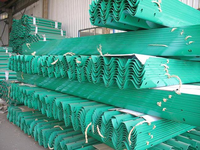 酉阳波形护栏生产厂家货场