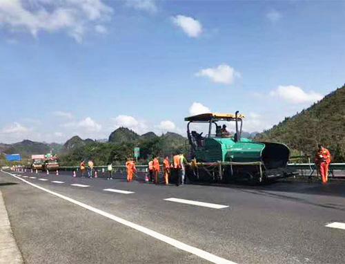 成渝高速公路护栏安装
